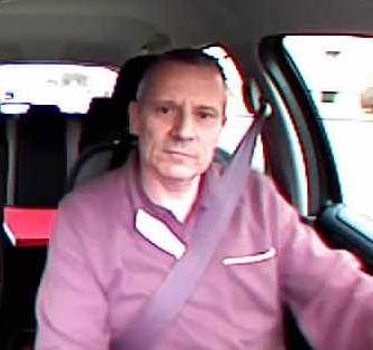 Foto von Fahrlehrer Walter Bischof in seinem Auto